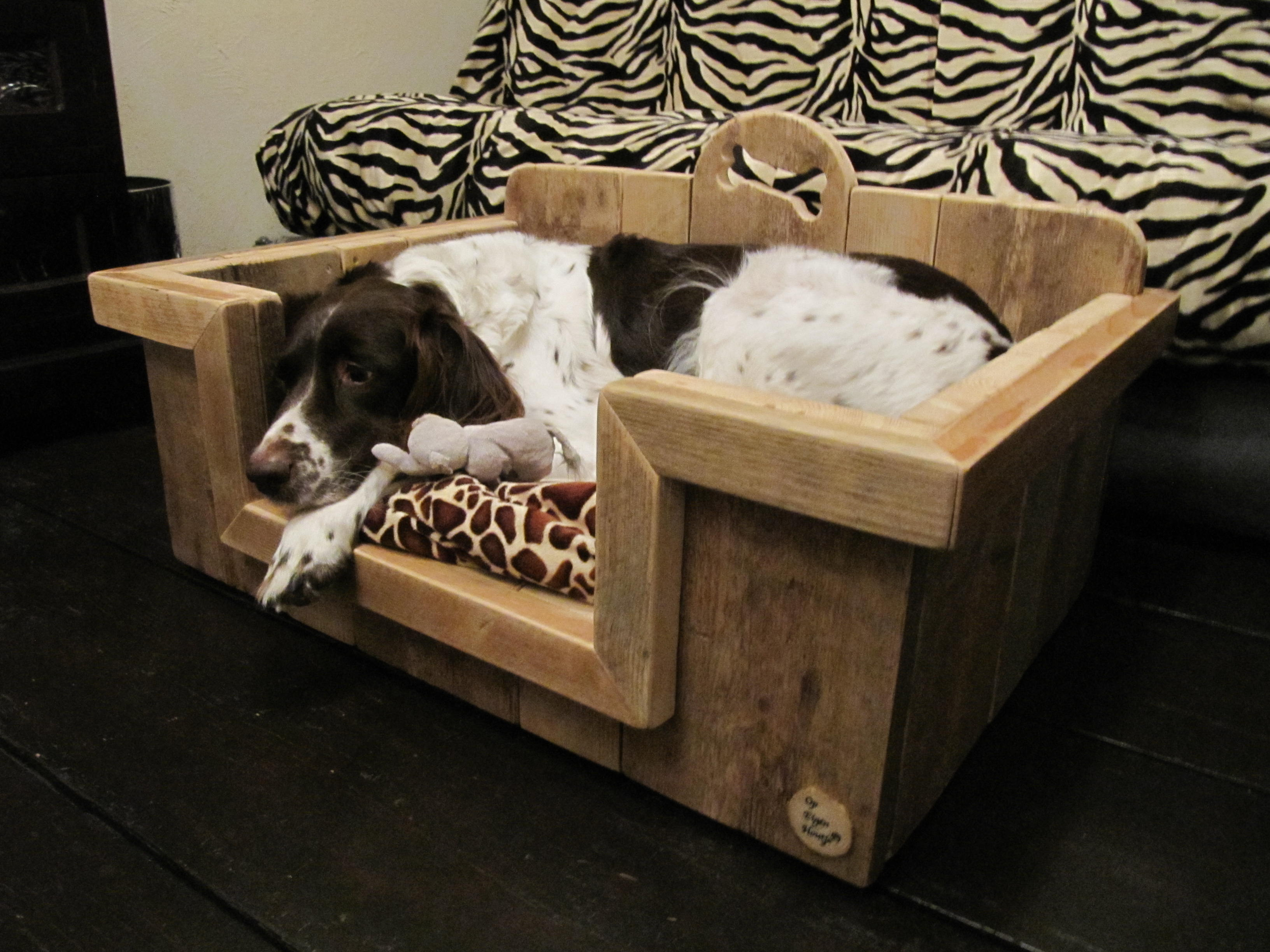 """Hondenbak gebruikt steigerhout """"Lisa"""""""