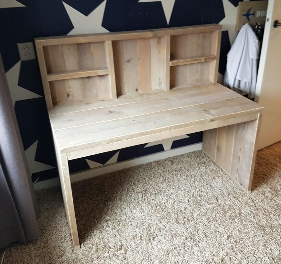 Maatwerk meubels steigerhout op eigen houtje meubels for Steigerhout bureau