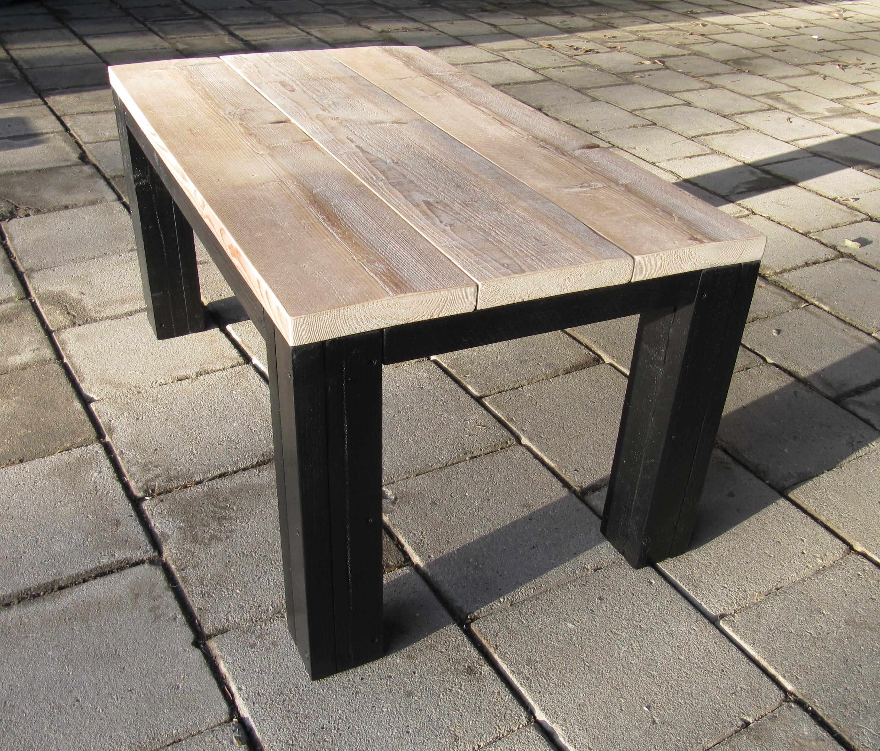 Salontafel van steigerhout met zwarte poten Richard 1