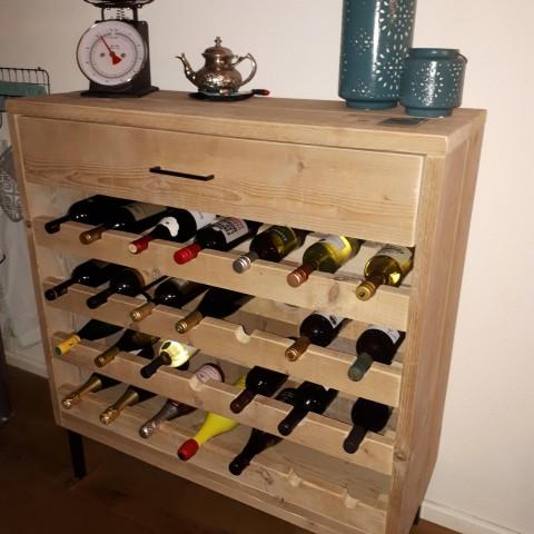 """Wijnkast van gebruikt steigerhout """"Rian"""""""