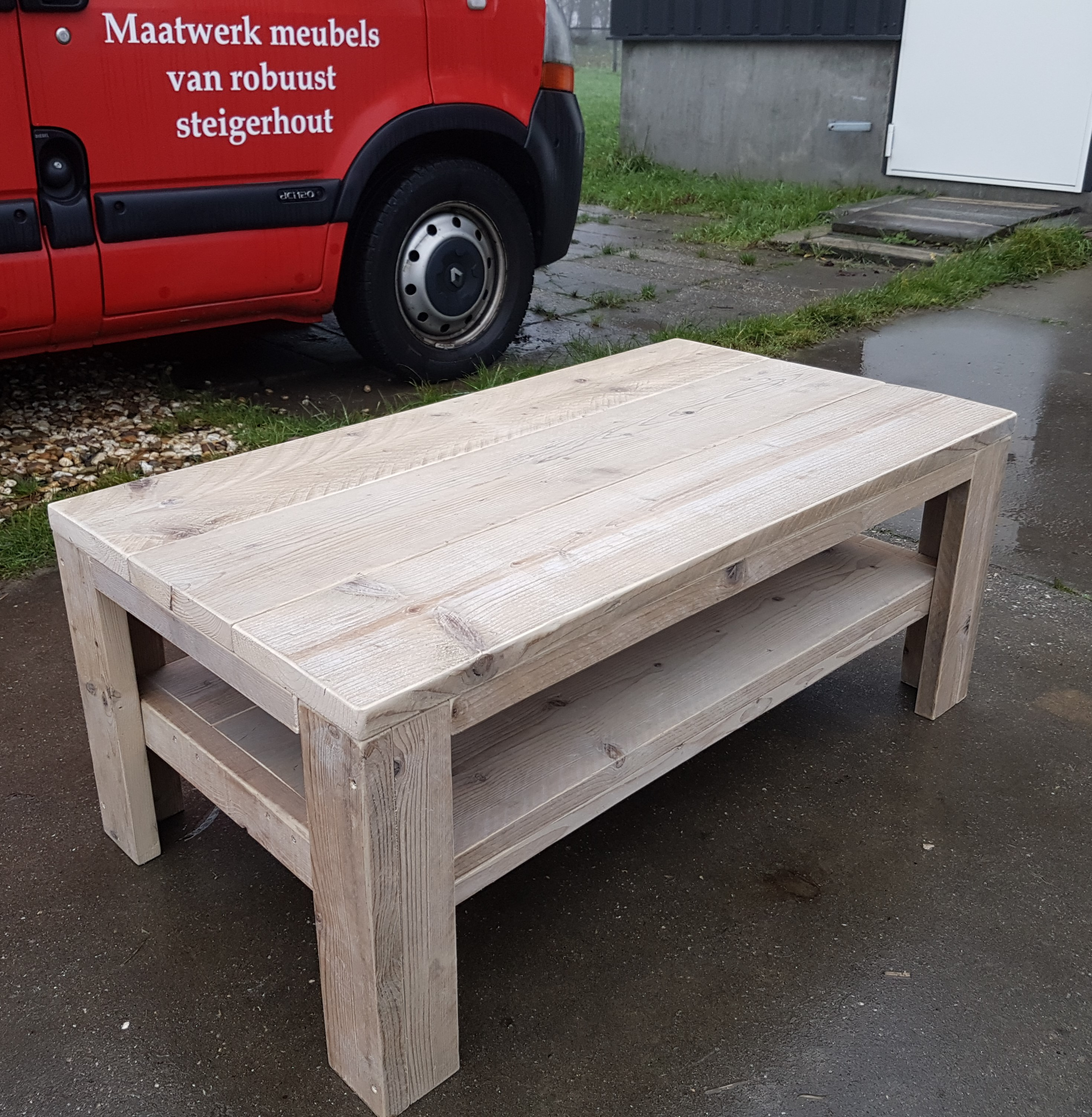 Salontafel van gebruikt steigerhout Frans 2