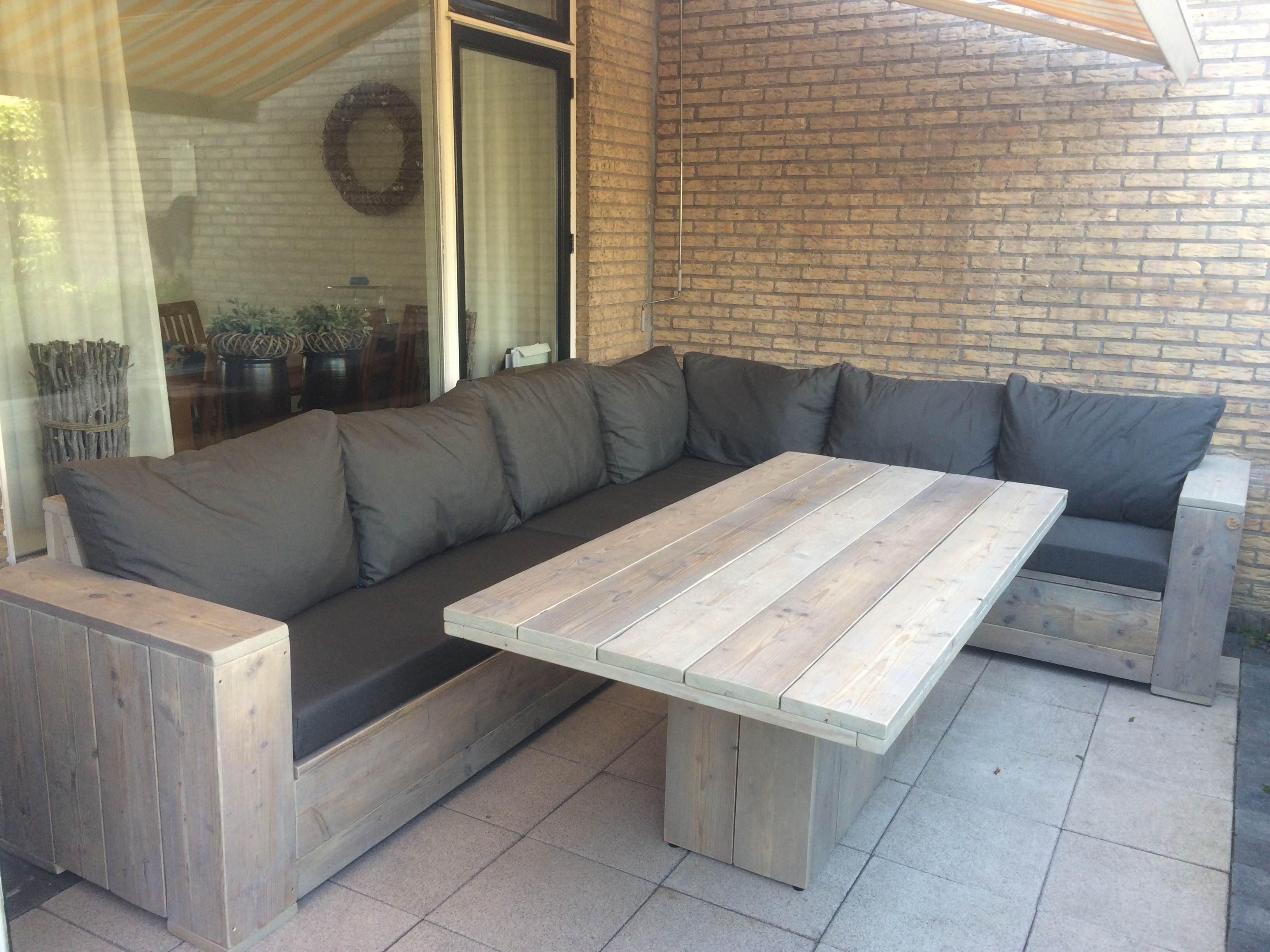 Loungeset met hoge tafel trendy loungeset van steigerhout